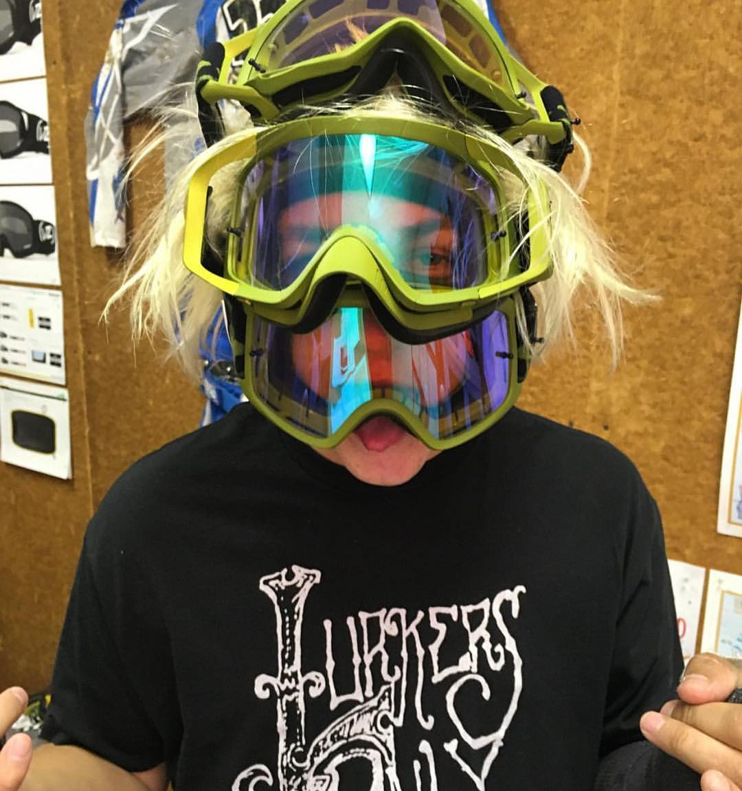 Goggle testing with @tylerbereman for his birthday? This is how it goes down. || #FreewheelersRC #VonZipper #SupportWildLife
