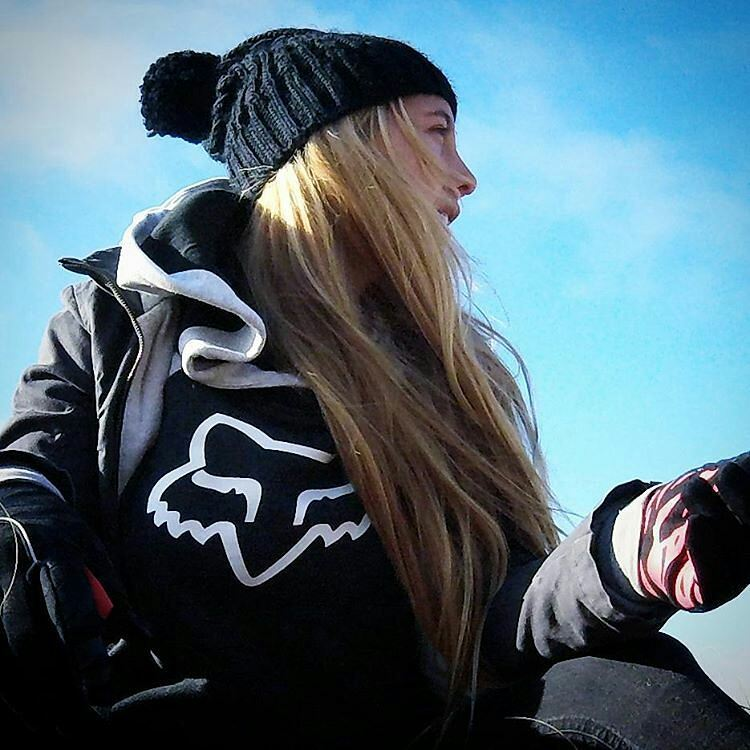 ❄WINTER❄ @juli_saccone #foxheadargentina #winter #snow #foxgirl
