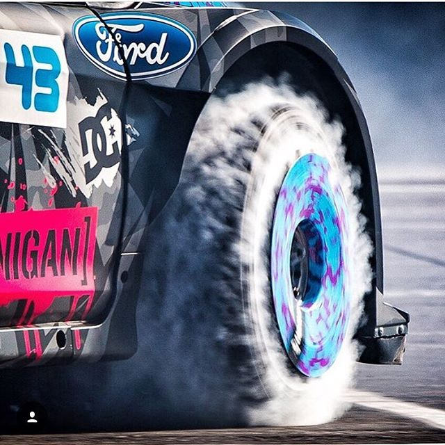 Throwback to one of my favorite @Roncar pics: making puffy tire clouds at SEMA in 2013, via the tire slaying destruction device known as my Ford Fiesta HFHV - equipped with turbofans on Turbomacs. Awesome. #tireslayer #FordFiestaHFHV #cloudporn #fifteen52