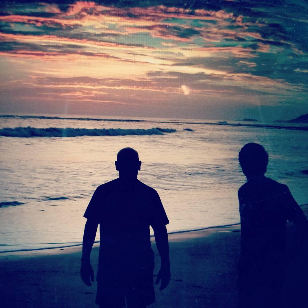 End of the road.  Felices por compartir una nueva aventura por Centro América nos preparamos para volver a casa. #maetuanis #surf #surfing #costarica #nicaragua #puravida #followthesun