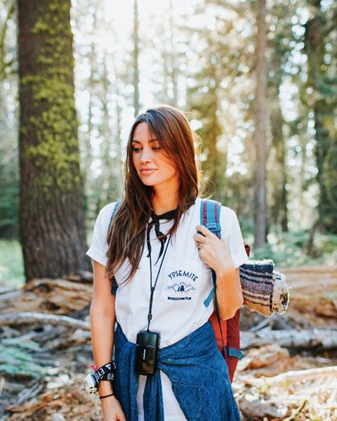 THE YOSEMI - TEE  @clairequest glowing in the valleyview pocket tee