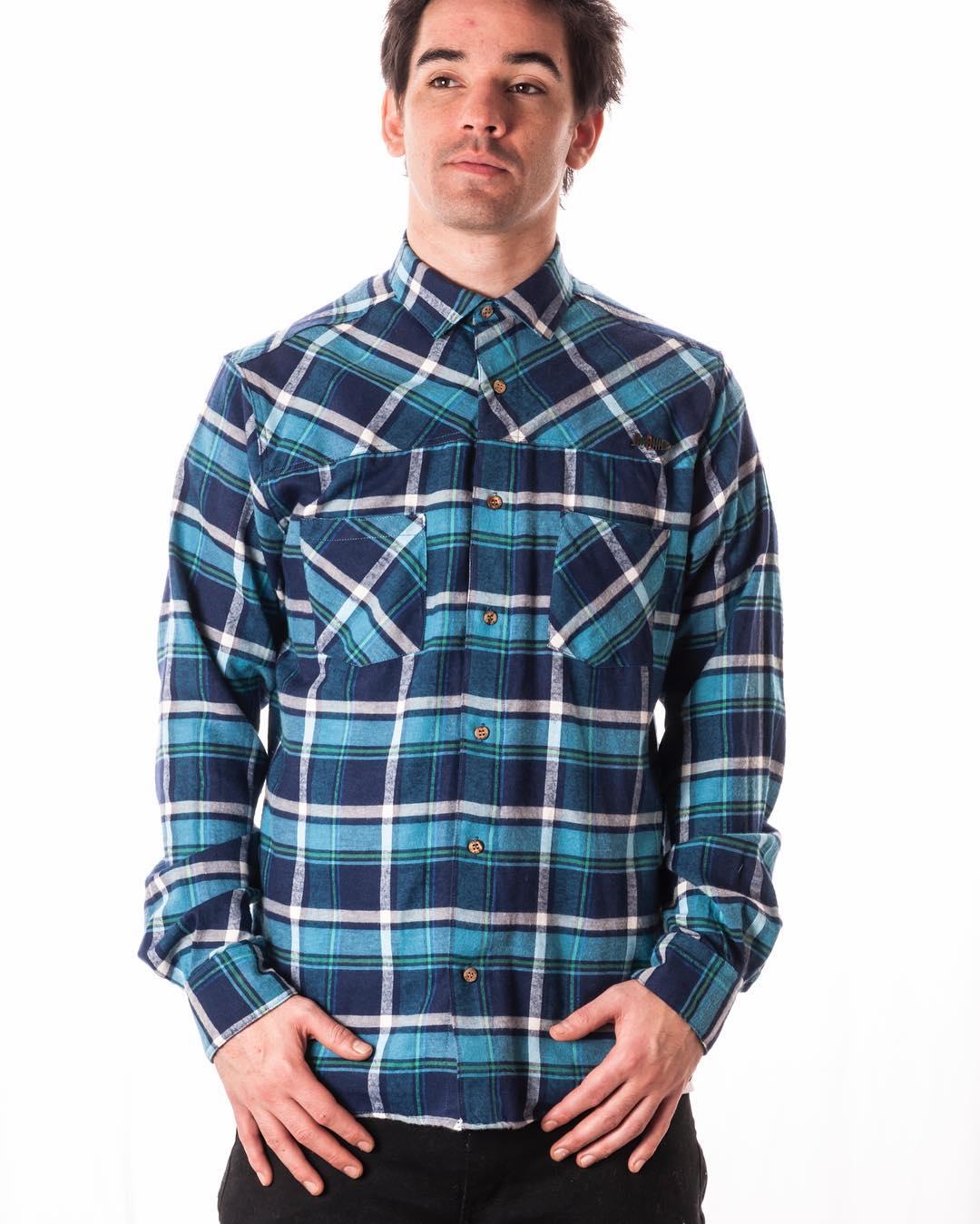Andas buscando camisas? Ni lo dudes! Pasa por nuestros stores y elegi el modelo que más te guste!  #lifeiswow #wildonwater