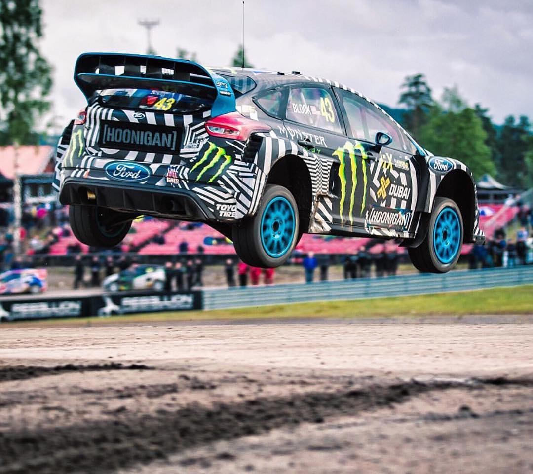 HHIC @kblock43 hammering down on the #focusRS! Flat out, off jump. #neverlift