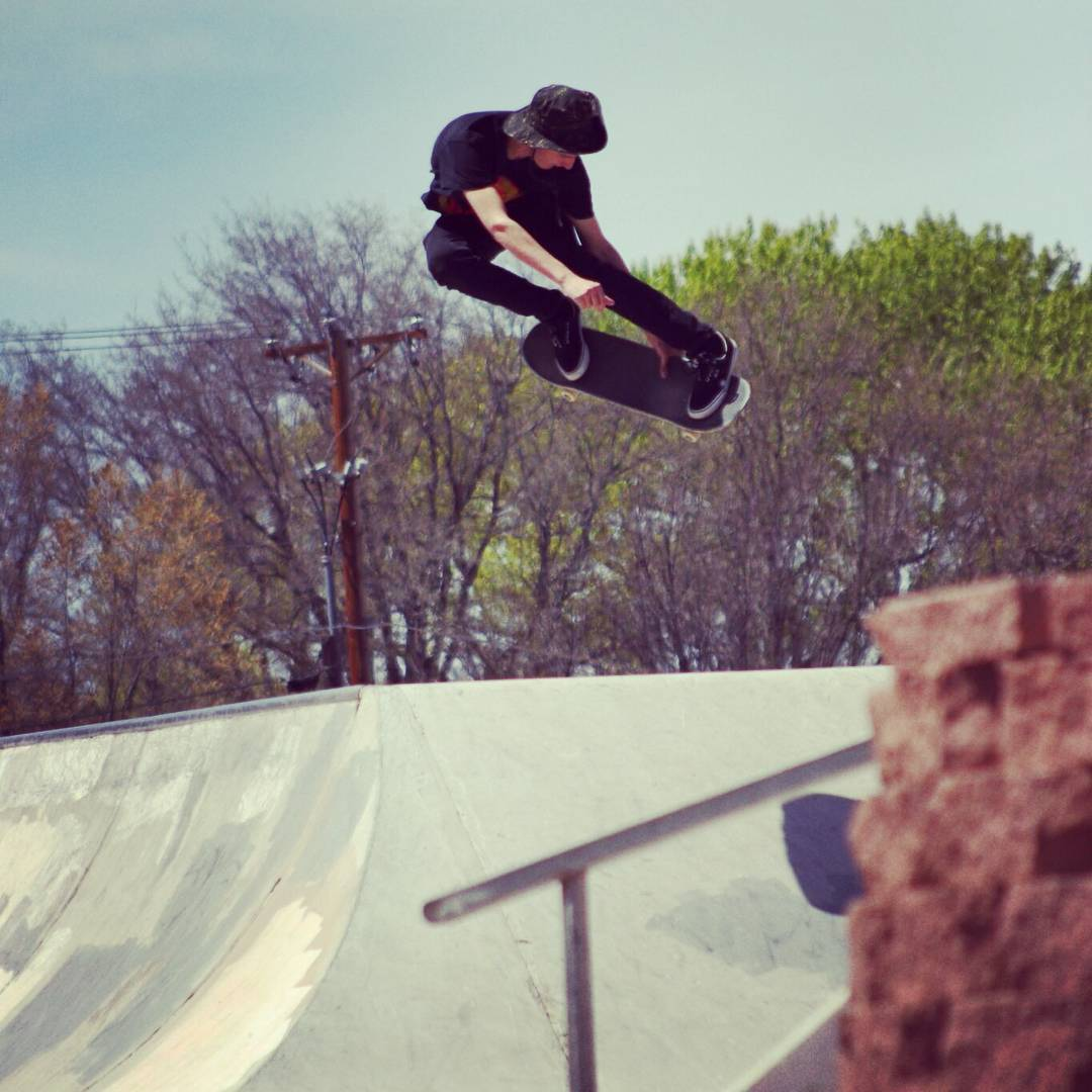 Team rider Sean Stratmeyer--@dipsybogart backside boosting on the Face Melt!