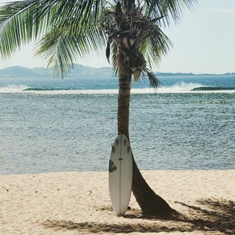 In between sessions 5'7 #quiverkiller in the Tavarua shade. #lostsurfboards #surfing #tavarua #surfboards