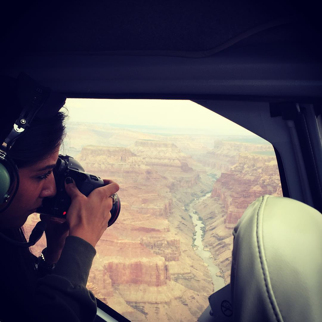 S  O -> G  R  A  N  D  @misshattan shootin' the canyon from @maverickhelicopters for #findyourparkvegas #radparks #nps100