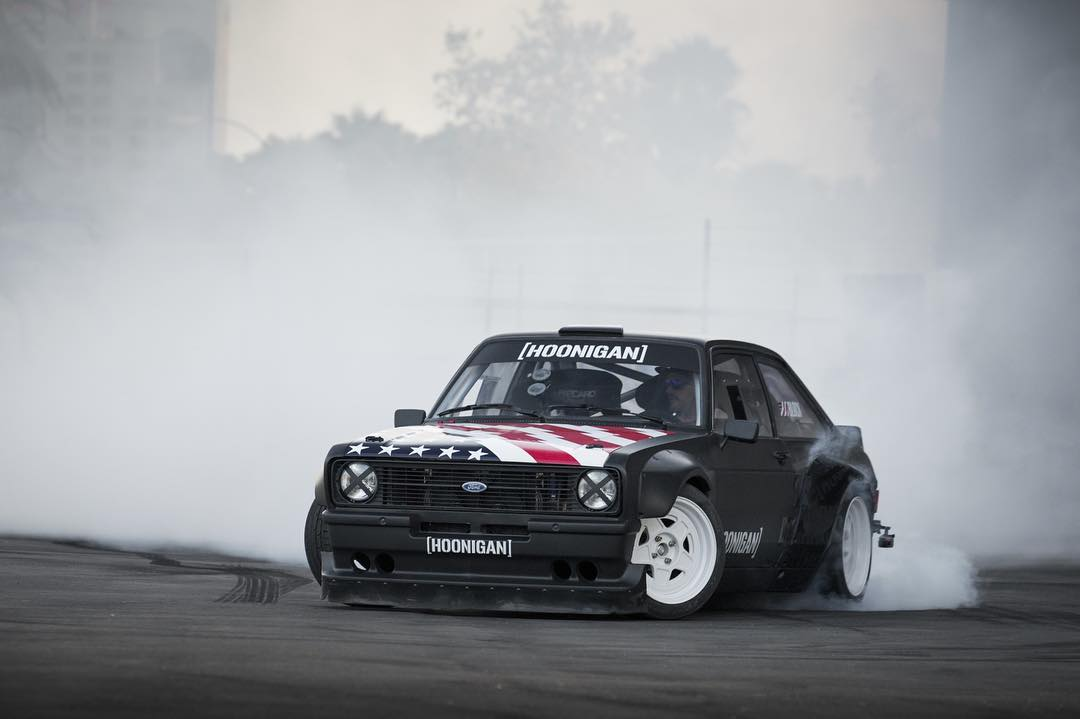 9,000 RPM and individual throttle bodies paired with @kblock43's heavy foot make for some great sounding burnouts… and lots of smoke! #killalltires