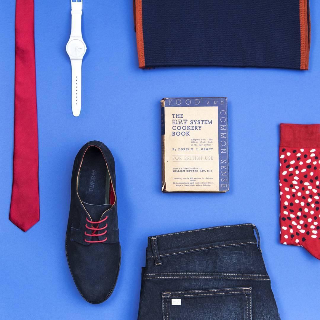 Te dejamos algunos #winteressentials para la semana.  Dales más vida a tus DeepBlue-Twins, poneles unos cordones rojos y no pases desapercibido.  No te olvides de combinarlos con un buen par de medias colorinches y si te gusta a estar bien vestido tmb...