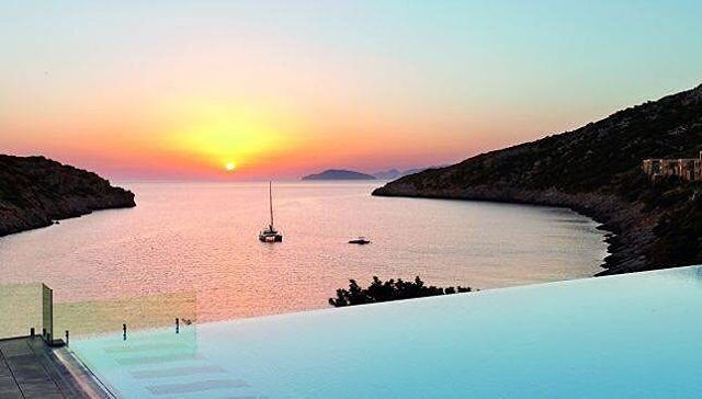 ESCAPE THE ORDINARY  #repost @lauraburkhartyoga - Watching a breathtaking sunsets over the mediterranean sea from an infinity pool = heaven!  Join OKIINO Ambassador, @lauraburkhartyoga September 24-30 for the Heavenly Crete Greece Retreat with...
