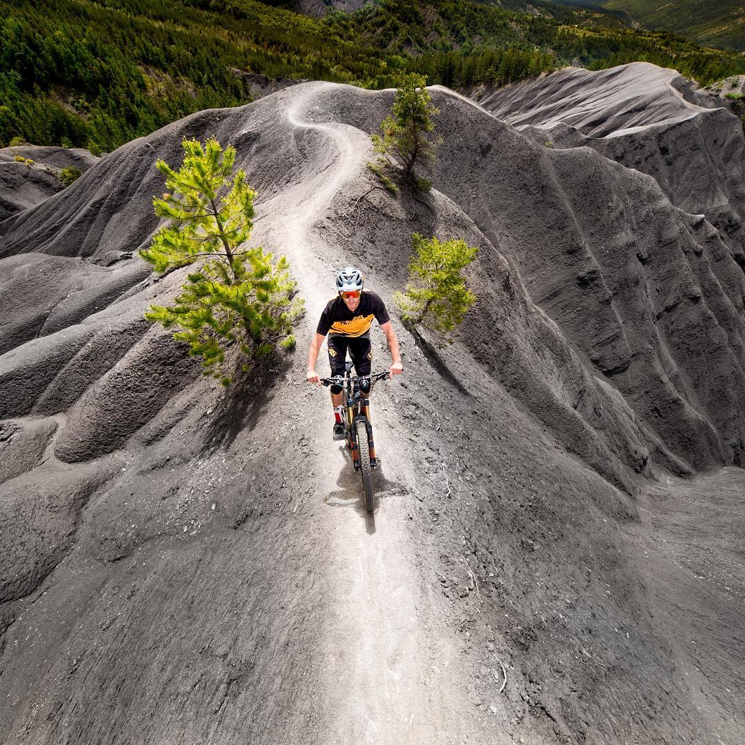 Ride the ridge.
