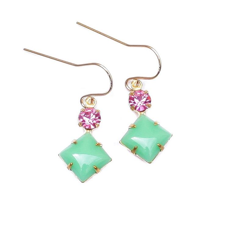 Greenwich Coastal Earrings. Colorful and lively made with vintage glass and set in gold.  #green #pink #14k #vintagestyle #romantic #juliaszendrei