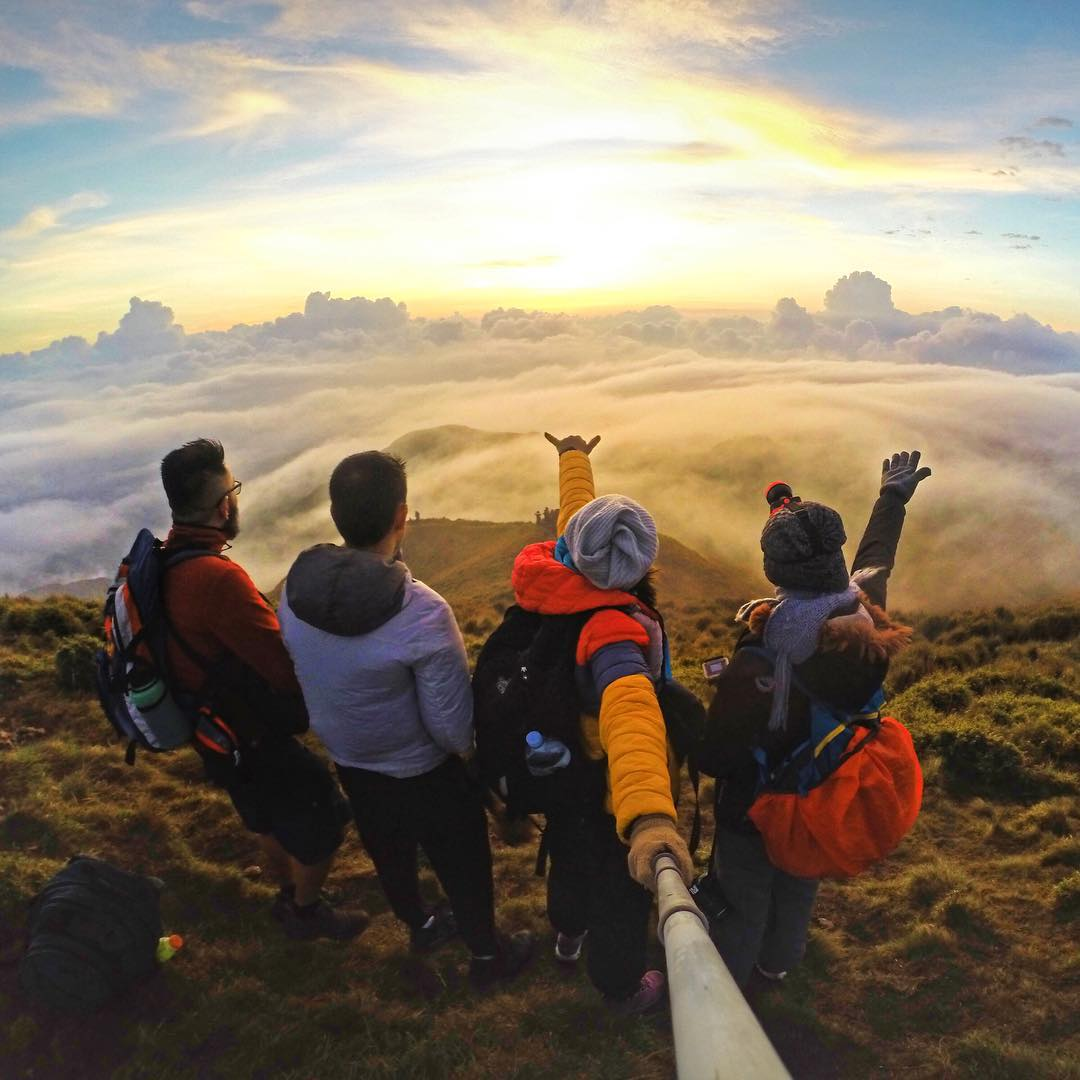 Squad goals! Photo by @jacqueaeiouh. Shot with GoPro HERO4 & GoPole Reach. #gopro #gopole #gopolereach #hiking #mountpulag #squadgoals