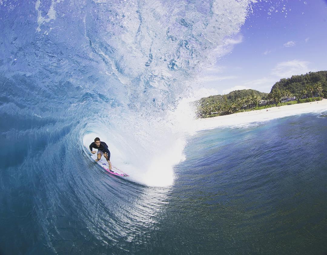 @jackfreestone jamming through a Hawaiian tube in his signature #Tribong X boardies. #lifesbetterinboardshorts