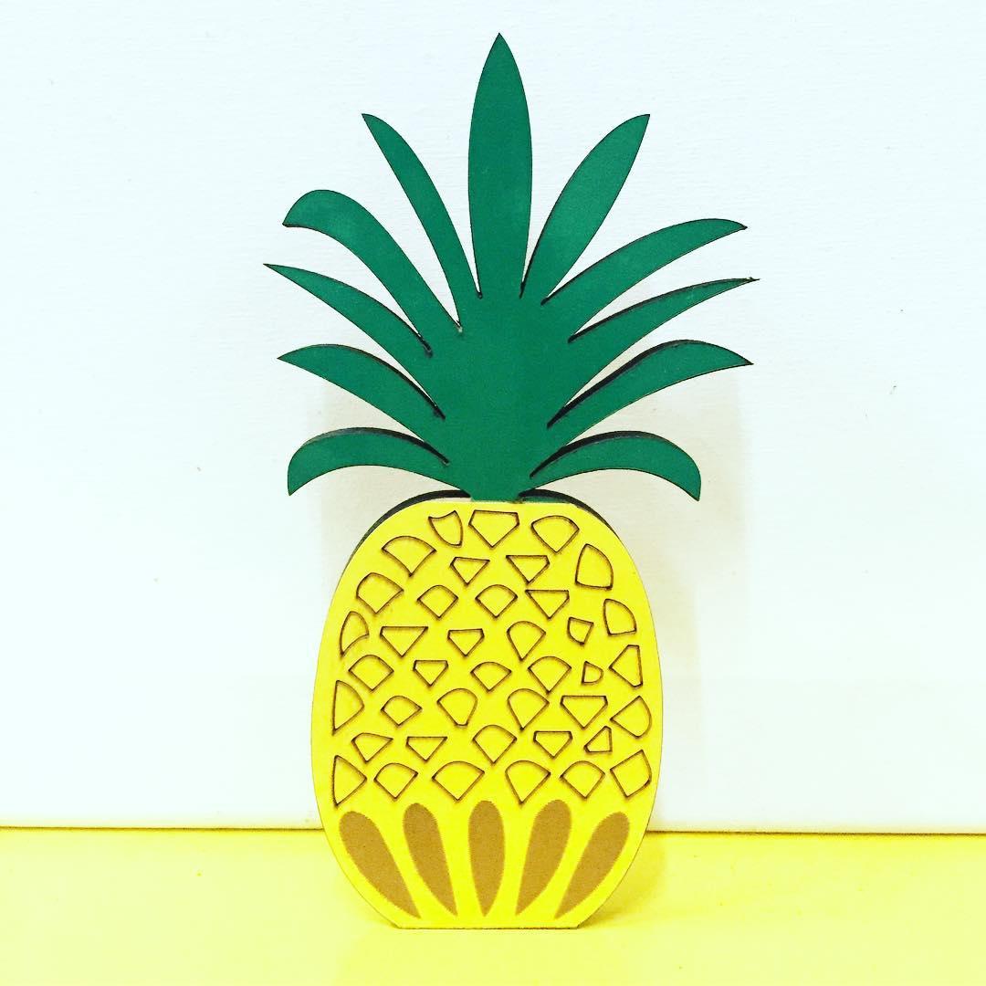 #Chilimango #piña #diseño #desing #love #surf #pineapple #surfstyle #style #deco adornos en vinilo combinados...