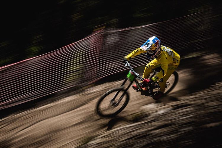 Yeah buddy... @finniles Qualifies 1st in Andorra! With @lorisvergier & @loicbruni29 on form in 8/9th respectively. Photo @davetrumporephoto digging for the panshot gold from yesterday practise #PanshotFriday #SixSixOne #661Protection #ProtectFun
