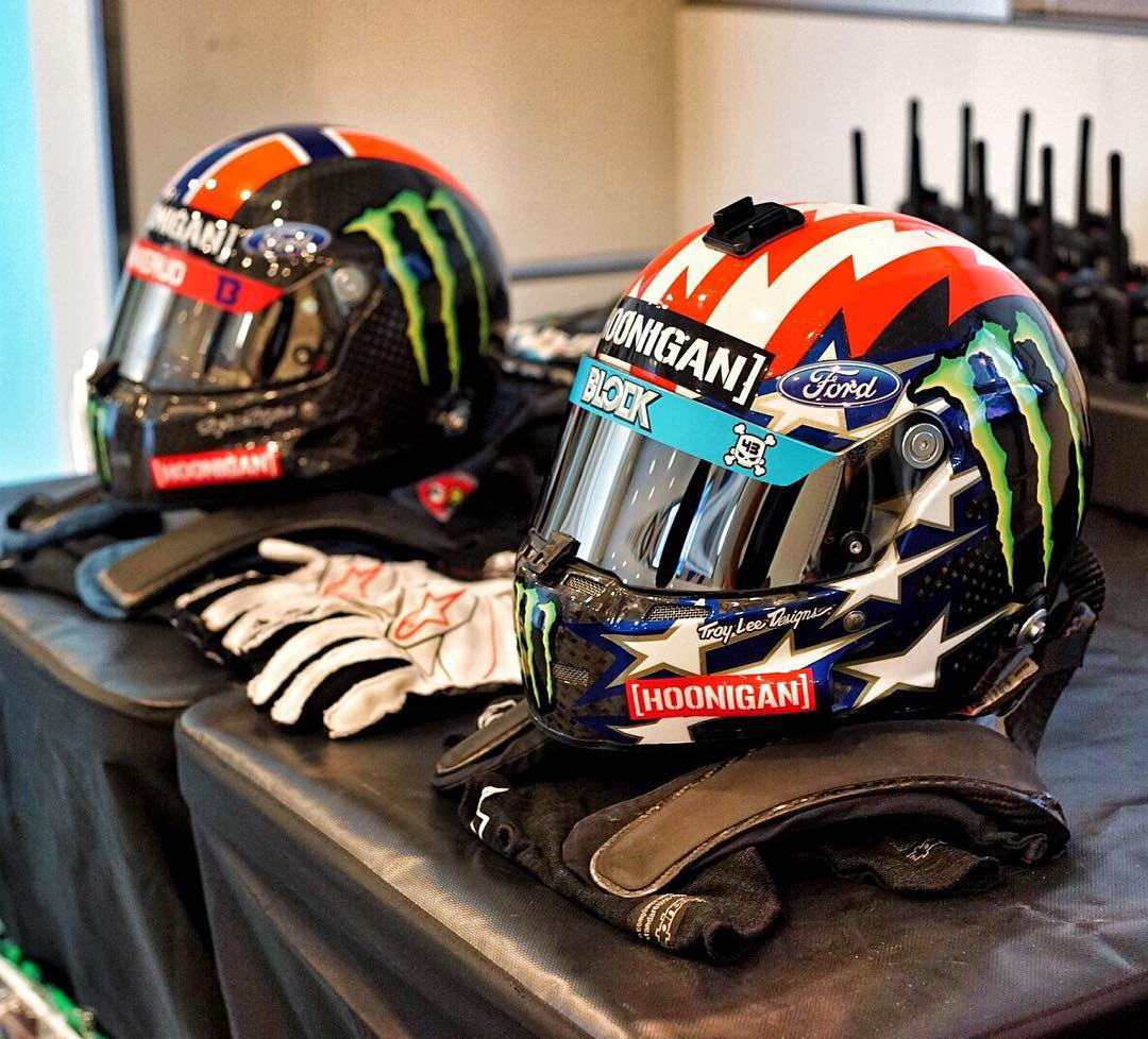 Me and @AndreasBakkerud's required headwear today: because it's race day here at #LoheacRX! #mmmmcarbon #brainbuckets #highcarbondiet