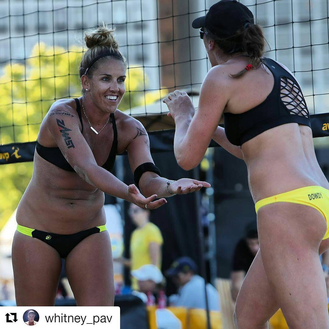 Great work from @whitney_pav and @adowdy11 moving on from yesterday in Chicago's AVP Championships. Good luck today ladies! #beachvolleyball #avpstrong #teamgraniterocx #getoutside #outdoorsrocx