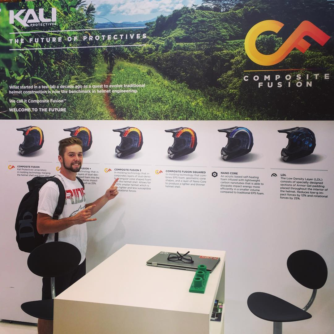 @nicholirogatkin pointing out some potentially lifesaving helmet technology at #eurobike #compositefusion #LDL