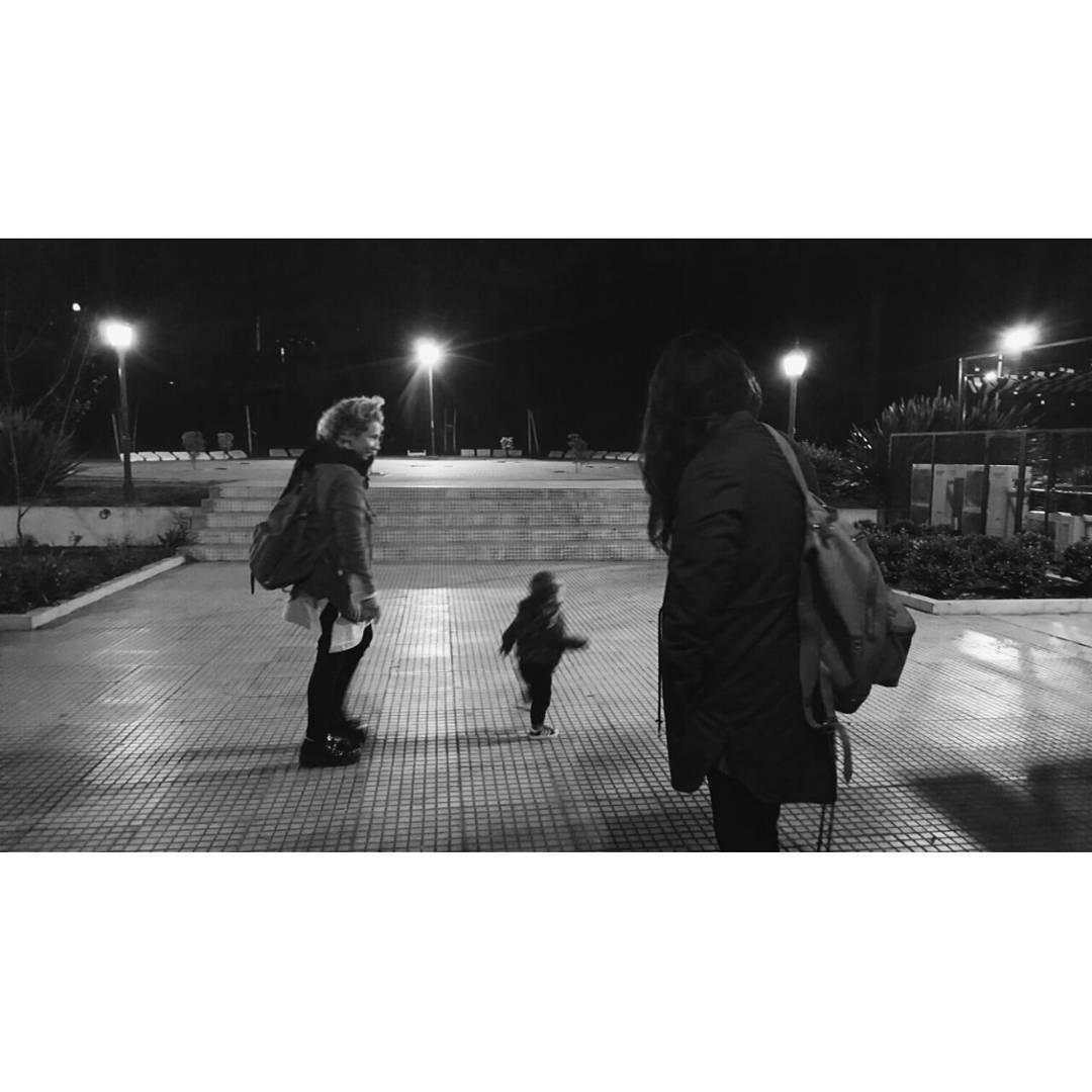 De anoche, dos Mambos en la ciudad. . . . . #urbanoutdoor #mambobackpacks