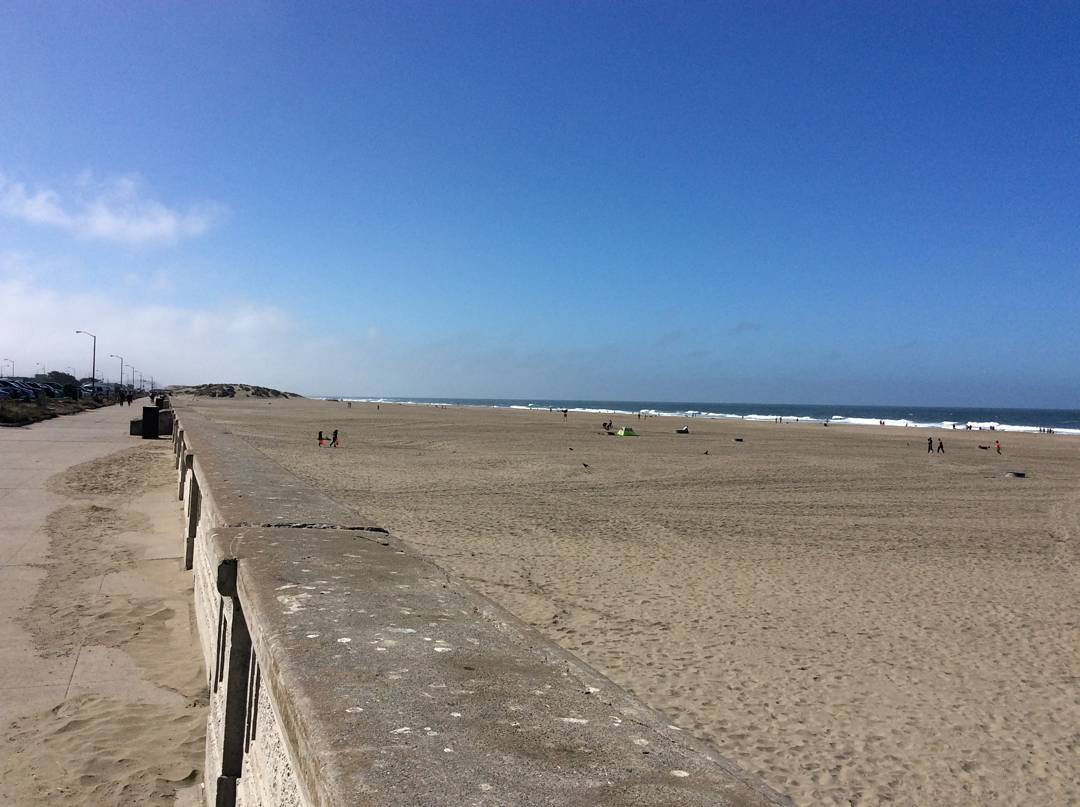 Beauty day down at OB today and another successful @surfrider beach cleanup! Thanks to all of our volunteers that came out to take one more step toward a #wastefreeOB! #protectandenjoy #surfriderfoundation #surfridersf