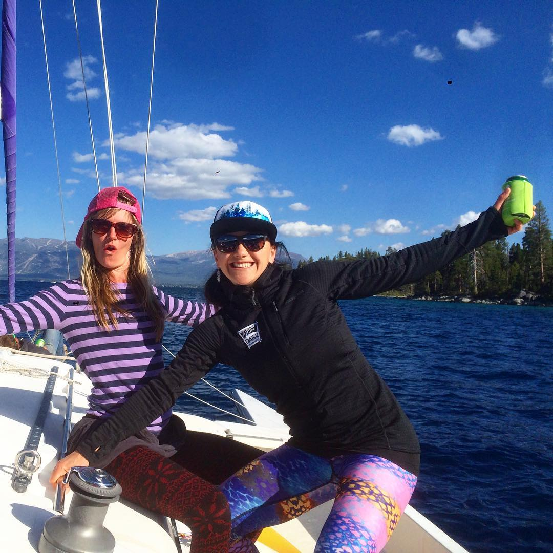 On a BOAT! Having a blast this Sunday hanging with an awesome crew! Enjoying the last bit of summer on #LakeTahoe @dakine @skilaketahoeca @oakleywomen @epicbar @avalon7