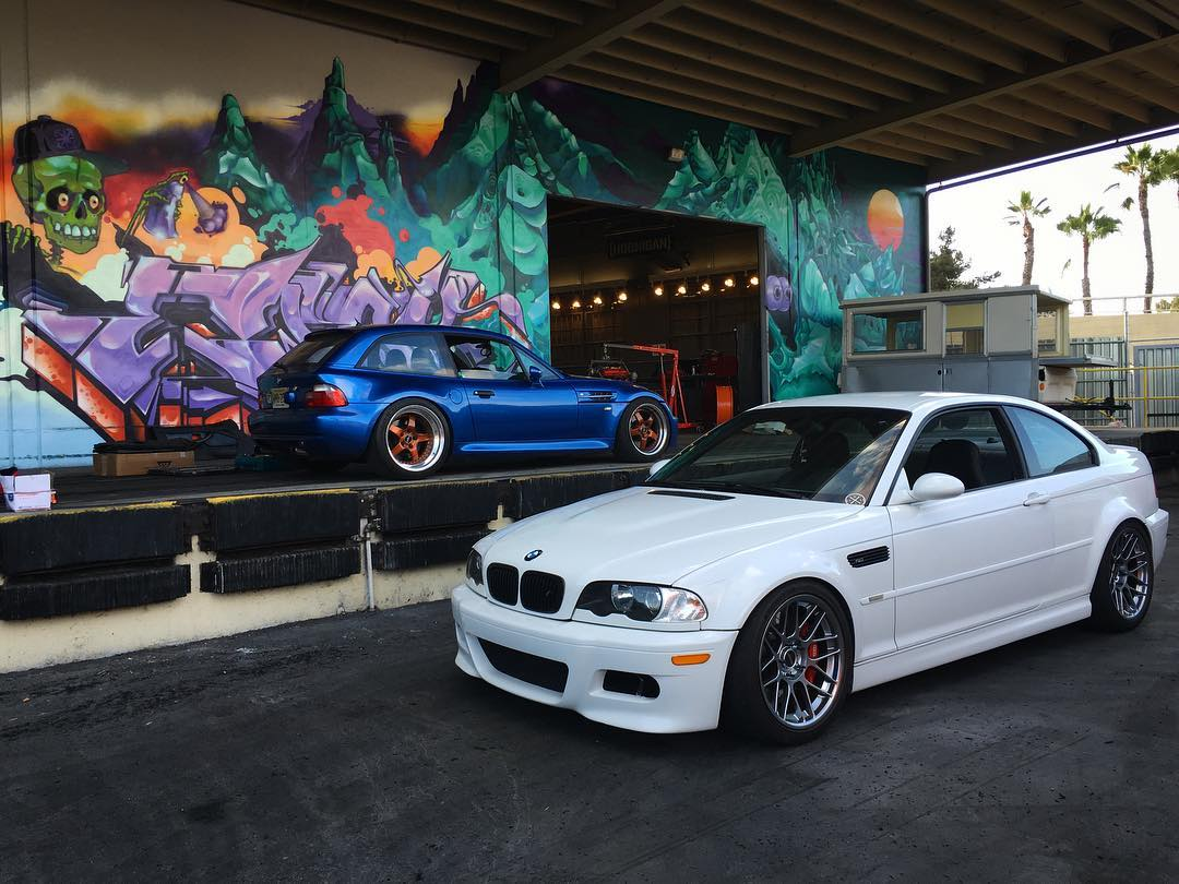 Sunday-wrenchday at the #donutgarage!
