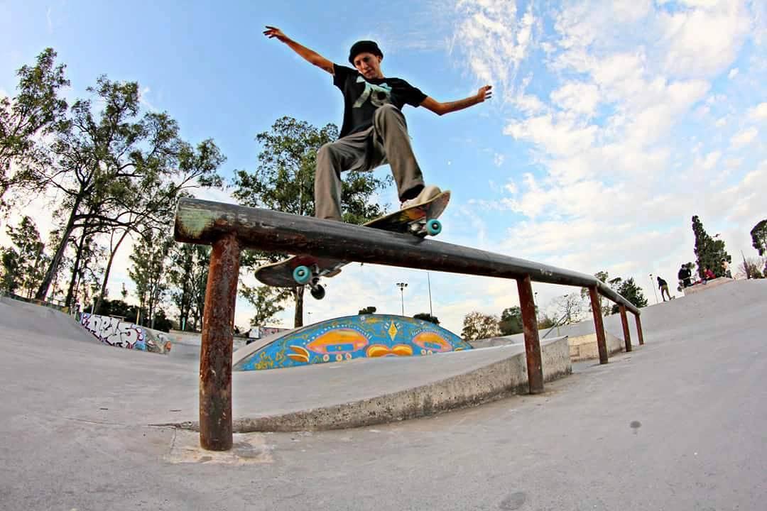 Nicolas Hernandez Fs Smith Esquel - Chubut  #gotcha #iconsneverdie #skateboarding