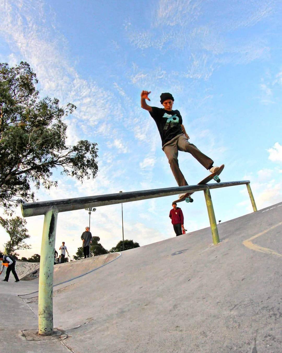 Nicolas Hernandez  Fs Lipslide Esquel - Chubut  #gotcha #iconsneverdie #skateboarding