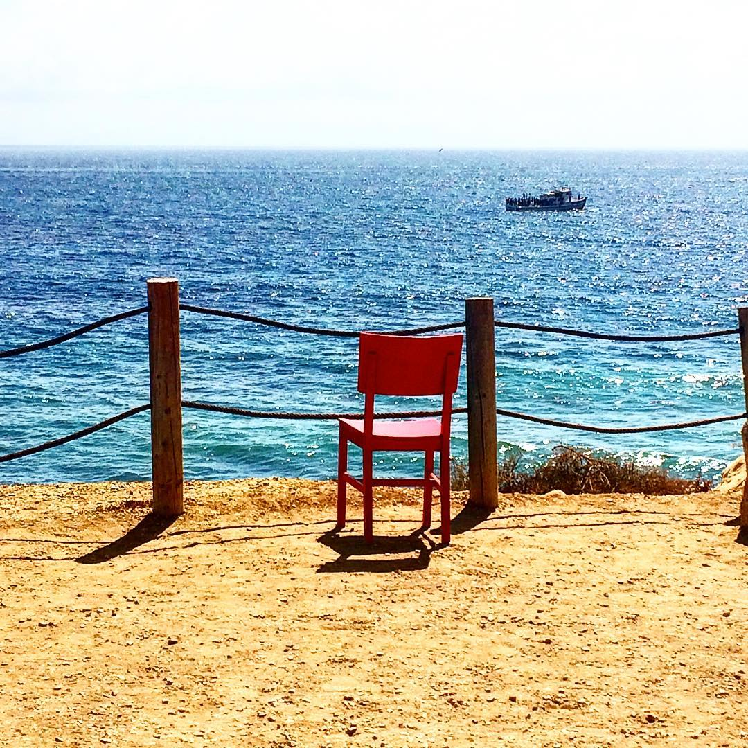 Here's to relaxation on #LDW . This single red chair looks like a good place to relax and take in the wonder that is #palosverdes in #southerncalifornia ! Happy Labor Day from ulu LAGOON.