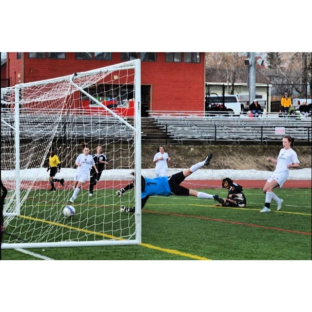 Missing the days of turf burn and goalkeeper gloves. Congratulations to the SSHS girls soccer team for their first win of the season! #steamboatsprings #steamboat #colorado #soccer #goalkeeper
