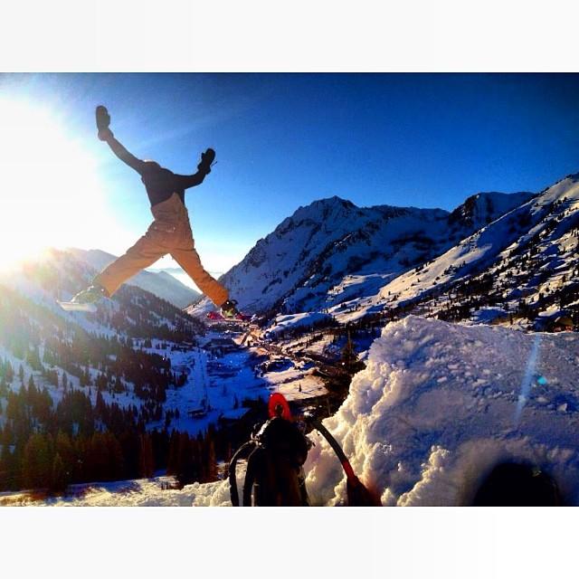 EEEAAGGGLLEEE #backcountrybooter #snowblades #spreadeagle #skiutah #UnitedWePOW #alta #littlecottonwoodcanyon