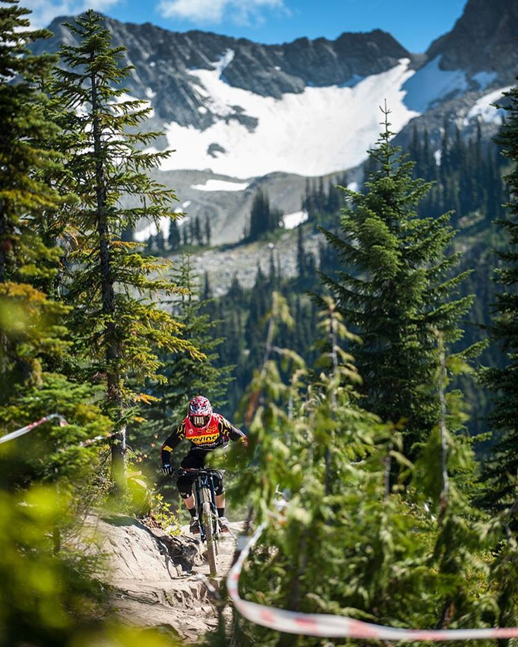 @markwallacebike putting #OakleyPrizm MX to the test in Whistler. |