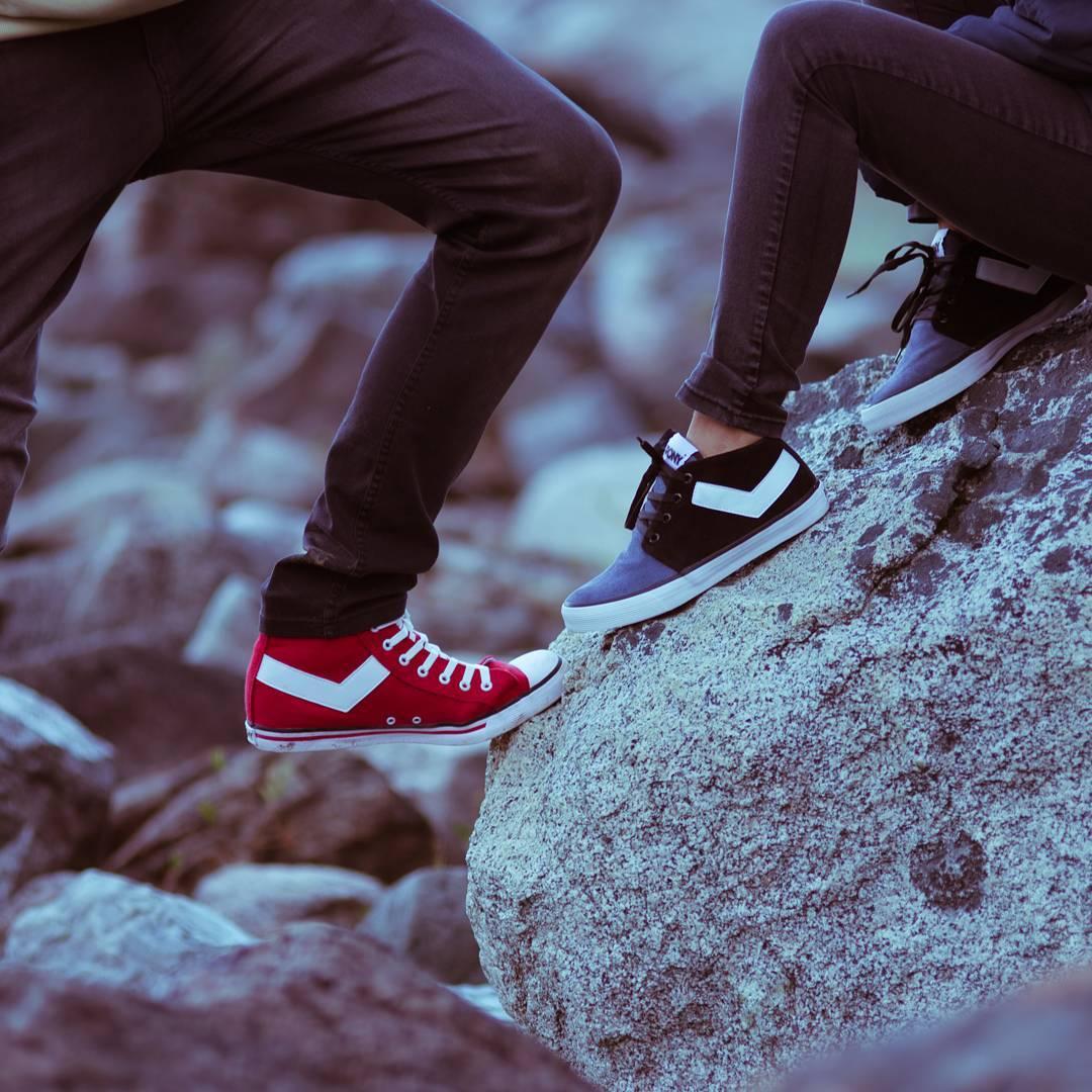 •Nada como ir juntos a la par• . . . #sneakernews #sneaks #kicksonfire #kicks #sneakers #lifestyle #instagood #instadaily #fashion #style #vsco