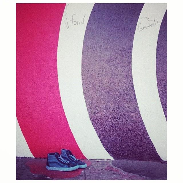 #VansCaliforniaCollection Este miércoles vamos a lanzar la línea de zapatillas Vans California con un evento exclusivo que incluye DJ y show en vivo de Los Coming Soon. Estamos sorteando entradas a través de nuestro Twitter (@vansargentina) !