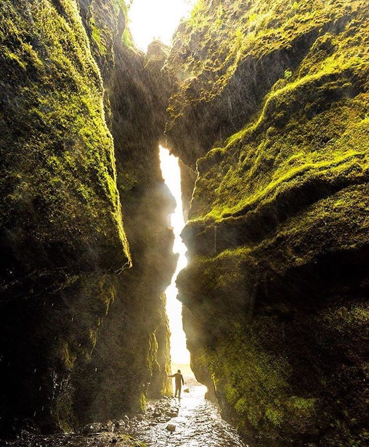 Another incredible slot canyon pass... this one from @trevorsimington in Iceland!