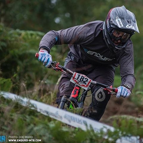 @enduromag #Repost Mr @jimbuchanan955 ripping at the @welshgravityenduro in Eastridge last weekend. Photo @docopod #SixSixOne #661Protection #ProtectFun #RageKnee