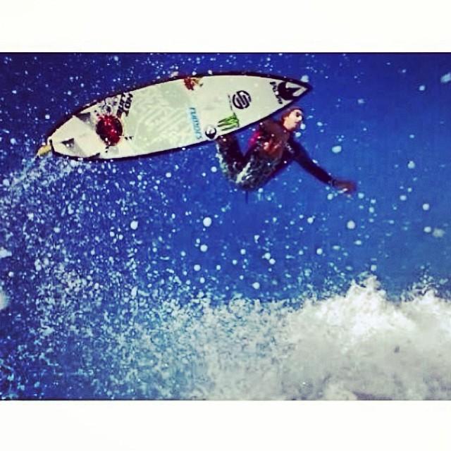 ~Flying high @dylansouthworth ~ #HotlineWetsuits #SantaCruz #Mexico #Air #TeamRider