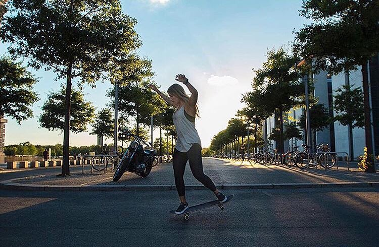 Sliding into Friday with @leticiabufoni #BeHealthyGetActive