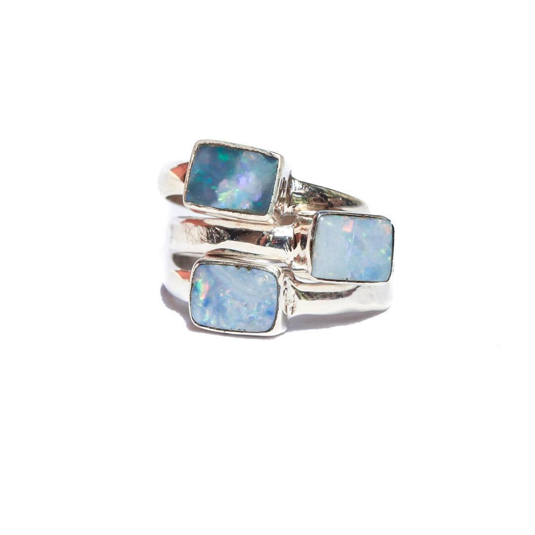 Radical colors. For for a queen.  #ootd #style #styleguide #lookbook #fall #opals #opalring #boulderopal #juliaszendrei