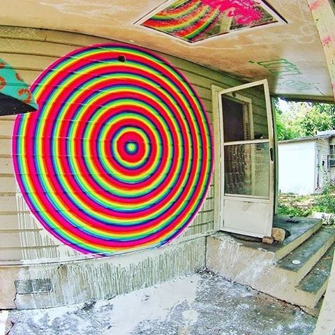 "New ""portal"" piece by local artist, @artbygent • #spratx #gent #artbygent #portal #opticalillusion #austintx #atx #mural #spraypaint #art"