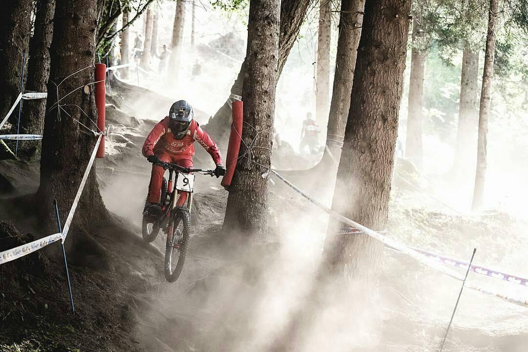 @ratboy_bryce en su practica en Val Di Sole. #foxmtb #worldchamps