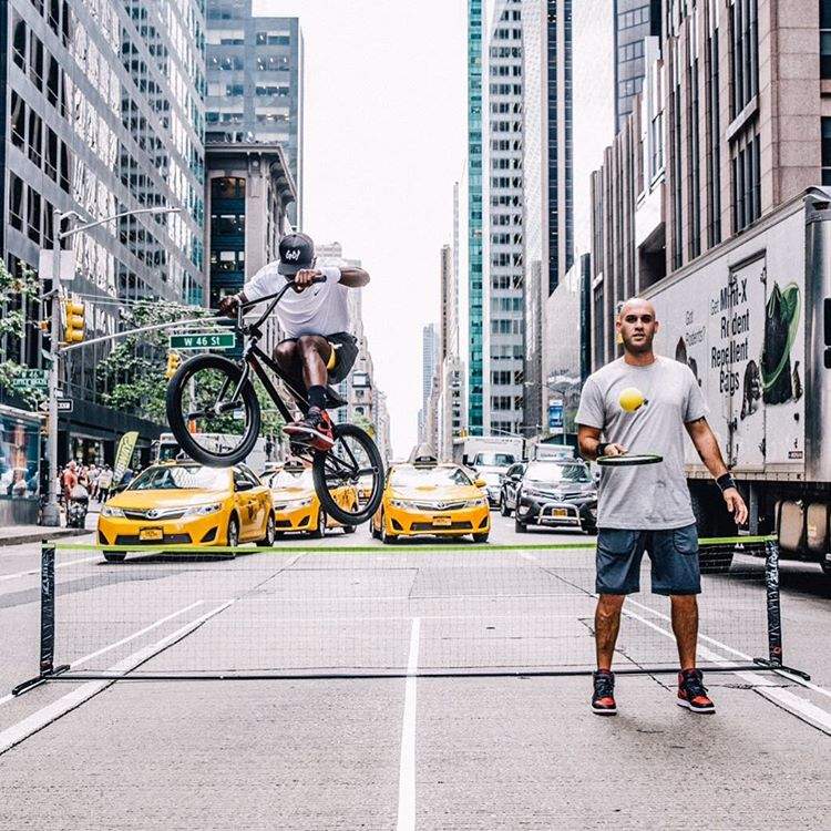 NYC ace @NigelSylvester is servin' 'em on 6th Ave. (
