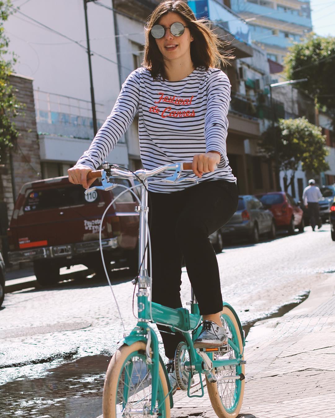 """Marou en su """"New Ninette"""" #ilovemymonochrome #monochromebikes #monochromeworldwide #marourivero"""
