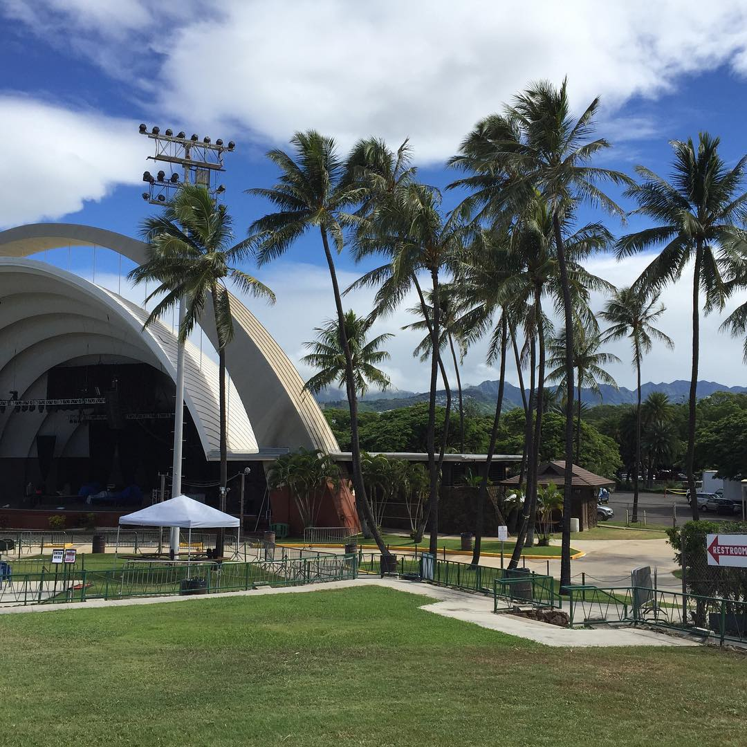 Come hang with us at @greenroomfestivalhawaii at the @waikikishell today!