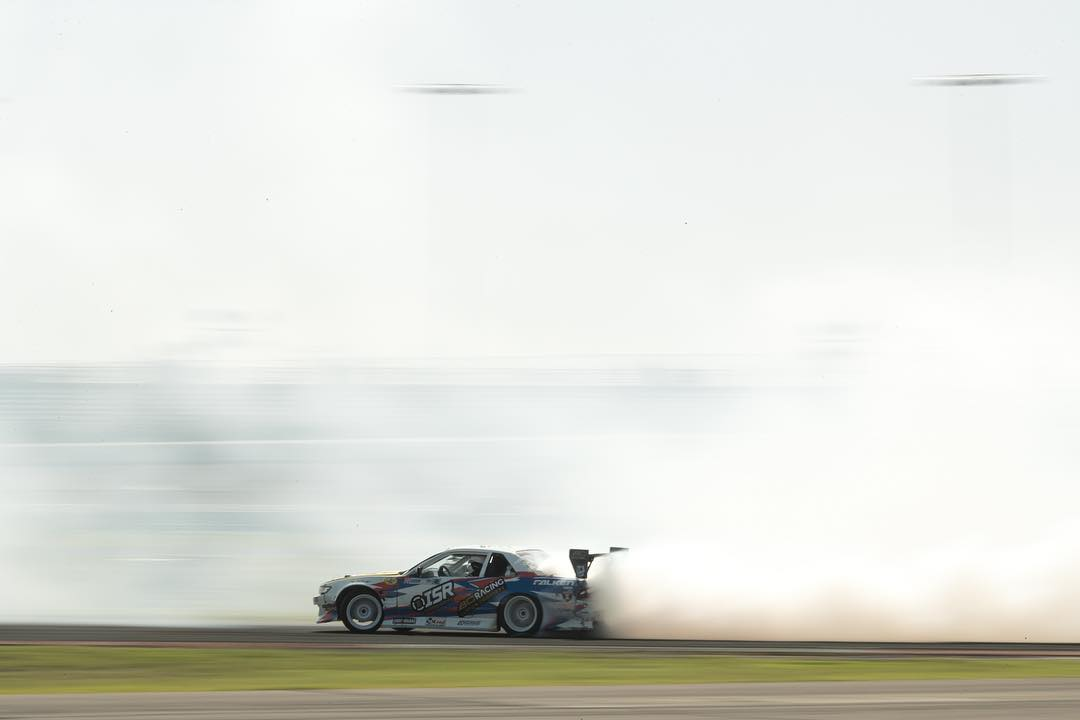 Chucking clouds with @patgoodin at @formulad TX! Who's out here for the finals?