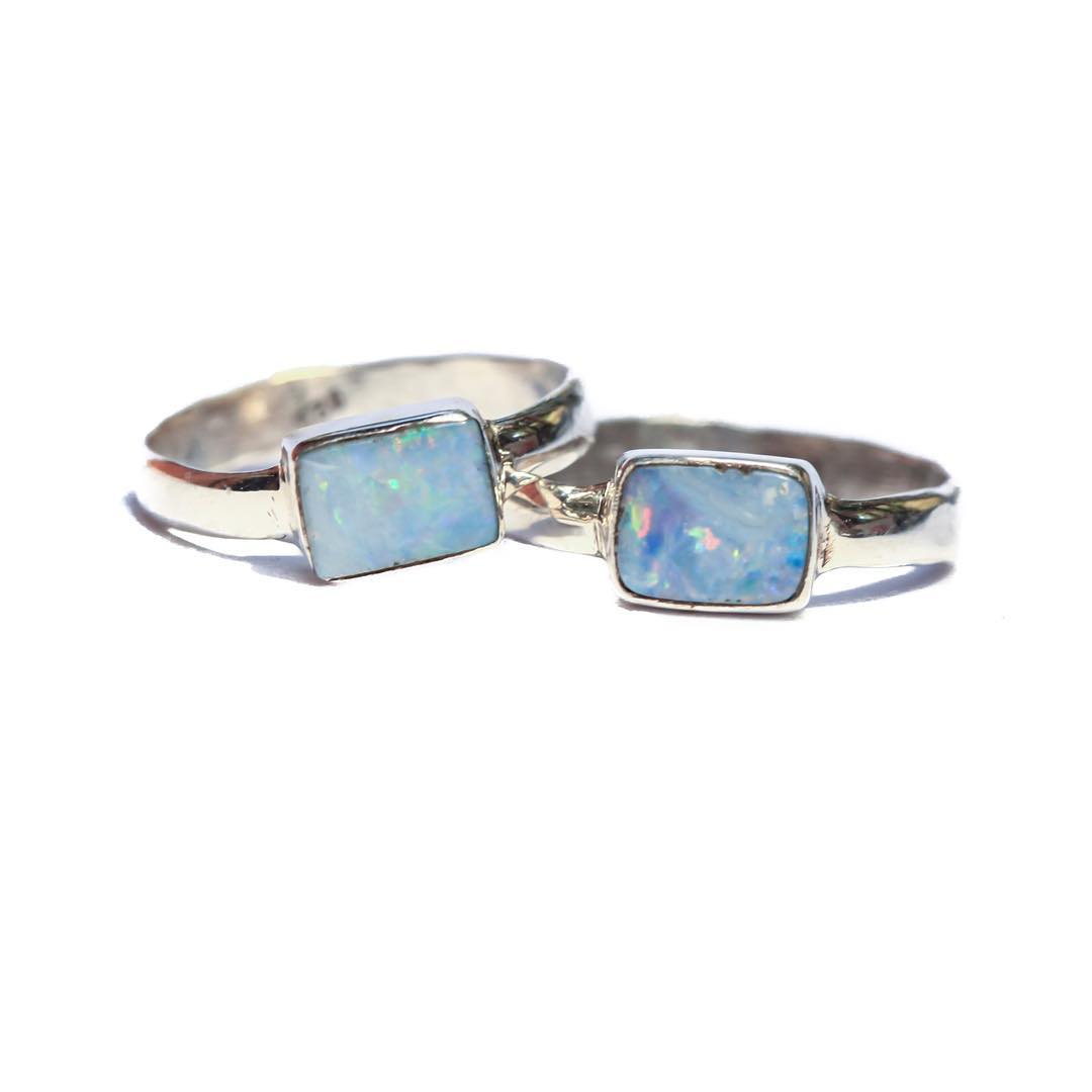 Sassy little thangs!  Thank goodness for Saturday! (I'm not serious really, because here in the @claytonhumphriesphotography 's house we work #errday)  #opalring #opals #boulderopal #opalring #juliaszendrei #opals #fall #metalsmith