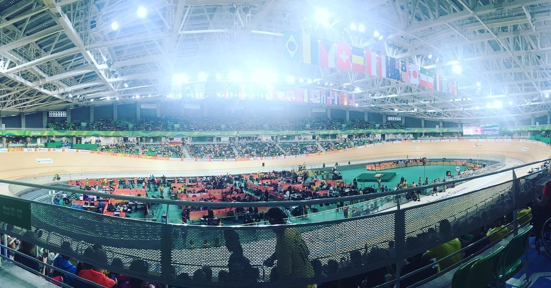 Hoy siguiendo a los ciclistas argentinos en el Velódromo Olímpico #Rio2016 #Paralympics #Work