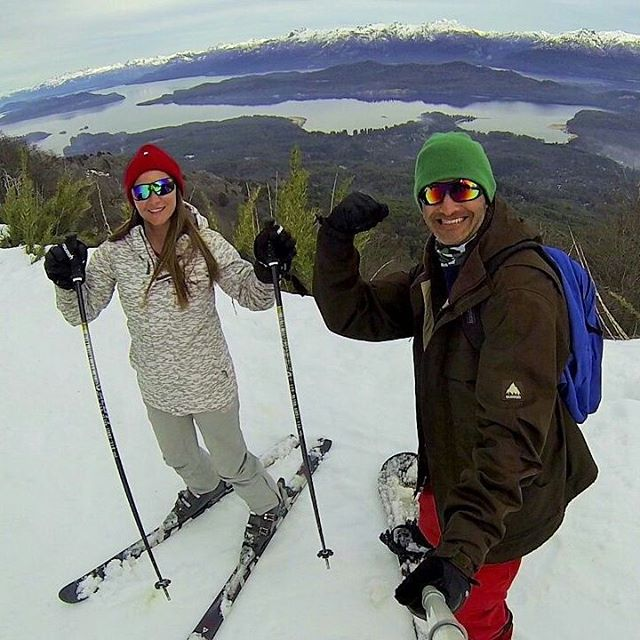 Compartiendo la misma pasion con mi compañera de la vida. #selfiegopro #snowboard #villalaangostura #cerrobayo #sky #goproadventure #parquenacional #laangostura #natural #nature_superpic #arte_of_nature #gopro3 #picoftheday #panoramico #nahuelhuapi...