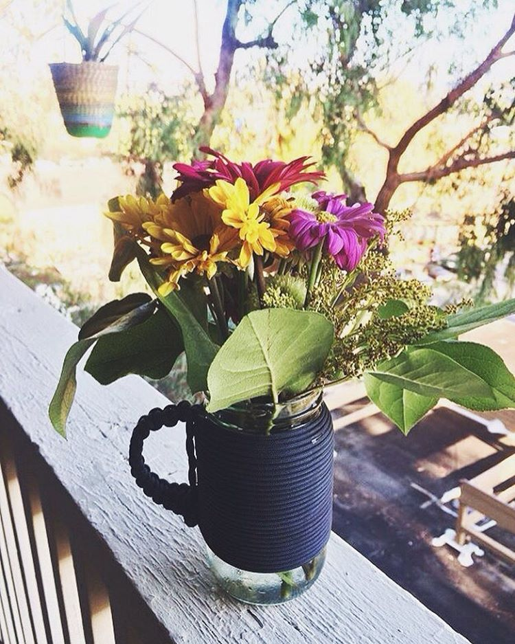 ~ Sunday's ~  The multi use Adventure mug. Coffee in the morning, farmers market flowers in the afternoon.  Pick one up in our online shop, and help us reduce the amount of single use plastics that end up in the ocean or on the trails.  Have a...