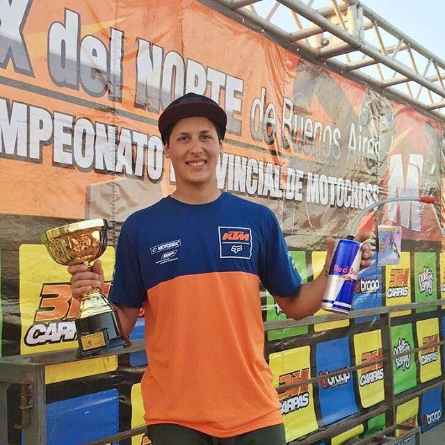@joaquinpoli199 nuevamente obteniendo el primer puesto en una competencia. Esta vez en el @mxdelnorte que se llevó a cabo en #Zarate  #mx #motocross #liveforit #foxheadargentina #mx1 #motocrossesfox